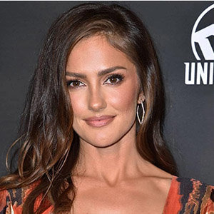 Minka Kelly Boyfriend, Dating, Husband, Is She Married?