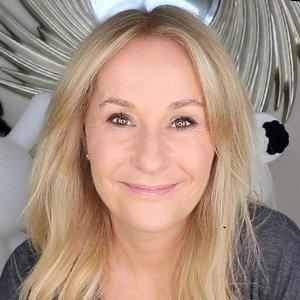 Is Nadine Baggott Married? Also Partner & Family Details
