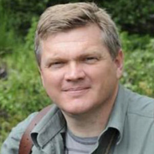Ray Mears Wiki, Wife, Net Worth, Knife, Today
