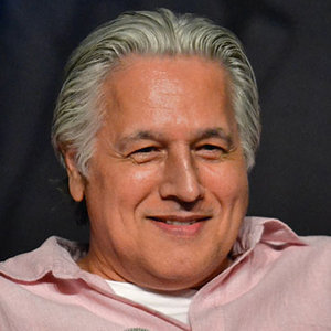 Robert Beltran Married, Wife, Gay, Siblings, Net Worth