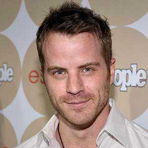 Robert Kazinsky Married, Wife, Girlfriend, Dating, Gay