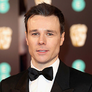 Rupert Evans Married, Gay, Girlfriend, Dating