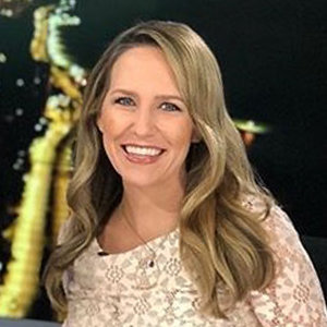 Sarah Jindra WGN, Age, Married, Husband, Salary