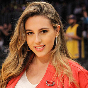 Scarlet Rose Stallone Wiki, Age, Height, Siblings, College