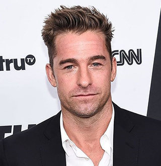 Scott Speedman Wife, Dating, Net Worth, Family