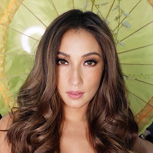 Solenn Heussaff Wedding, Husband, Age, Parents, Siblings