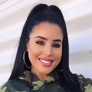 Stephanie Acevedo Wiki, Net Worth, Husband, Father