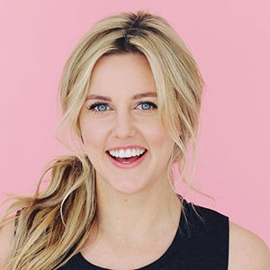 Taylor Louderman Dating, Siblings, Family, Net Worth