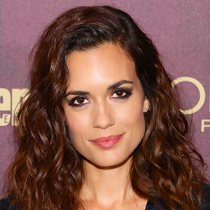 Torrey DeVitto Husband, Boyfriend, Dating, Net Worth