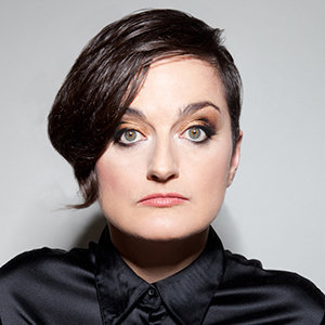 Zoe Lyons Wiki, Partner, Wife, Height, Tour, Net Worth