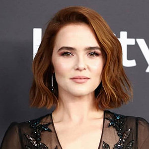 Zoey Deutch Boyfriend, Dad, Mom, Net Worth
