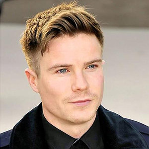 Who Is Joe Dempsie Girlfriend? Dating, Family, Gay Details On Game Of Thrones Actor