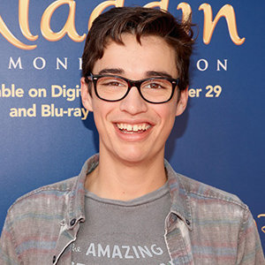 Liv and Maddie's Joey Bragg Graciously Dating, Hints Family With Girlfriend