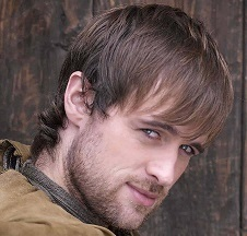 Jonas Armstrong Married, Wife, Girlfriend or Gay