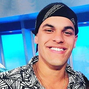 Josh Martinez Gay, Family, Sister - All About Winner of Big Brother S19 (US)