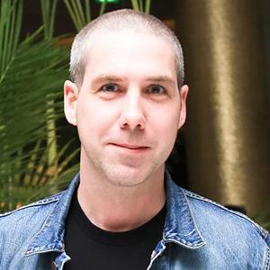 Leo Fitzpatrick Wiki, Married, Wife, Girlfriend, Relationship, Kids, Net Worth