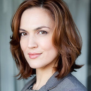 Lesley Fera Wiki: Age, Height, Sister, Married, Husband, Family, Net Worth