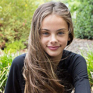 Meika Woollard Wiki: Age, Parents, Siblings, More Details On Australian Model