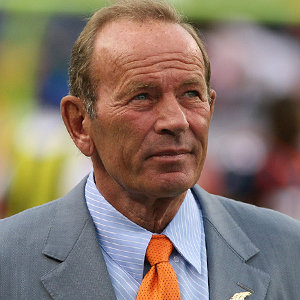 Pat Bowlen Wife, Son, Death or Alive, Net Worth, Family