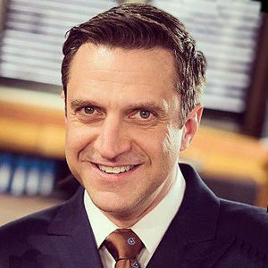 Raul Esparza Gay, Boyfriend, Wife, Net Worth