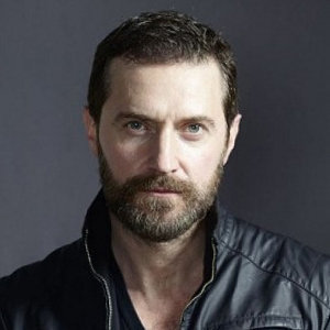 Richard Armitage Gay, Married, Wife, Girlfriend, Engaged