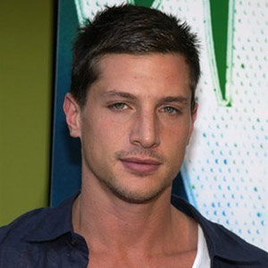 Simon Rex Gay, Girlfriend, Bio, Net Worth