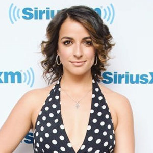 Victoria Arlen Boyfriend, Family, Illness, Salary