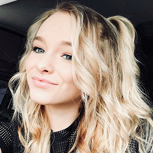 Zoe LaVerne Bio: Age, Height, Boyfriend, Parents